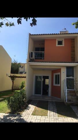 Casa duplex em condomínio charmoso - Fortaleza - Selveierleilighet