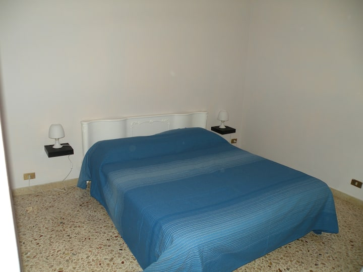 "ROOM TRAPANI   ""D25"""