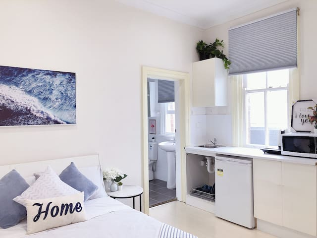 Private Studio-room In Kingsford with Kitchenette and Private Bathroom Near UNSW, Randwick4