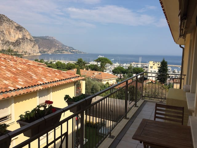 Quiet modern flat in town centre with sea view - Beaulieu-sur-Mer - Apartamento