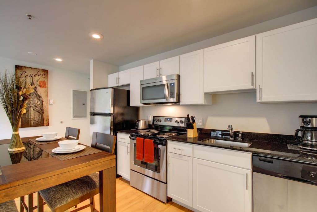 Stay Alfred Seattle Vacation Rentals Kitchen