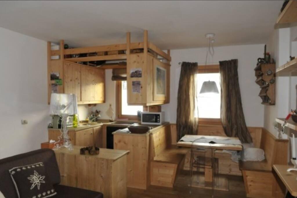 Appartamento con splendida vista appartamenti in affitto for Appartamenti cortina affitto