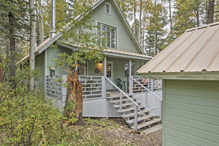 Cute 3BR Cloudcroft Cabin w/Stunning Views!