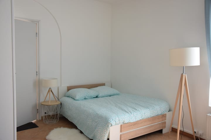 Joli studio plein centre Milly-La-Forêt