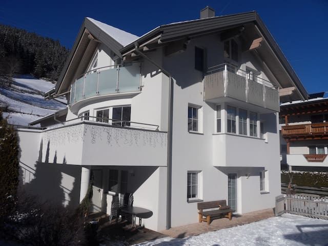 Haus Claudia mitten in Tirol - Pitztal - Apartment