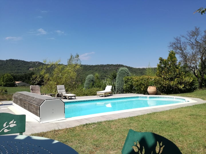 Mas provençal avec piscine aux portes du Luberon