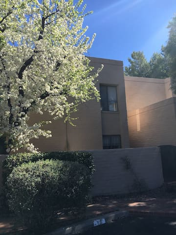 2 story Tucson Townhouse