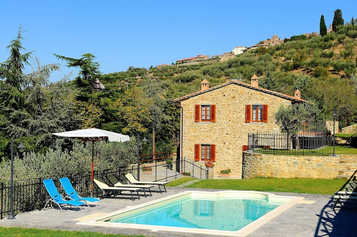 Farmhouse in Cortona with pool - Cortona - Appartement