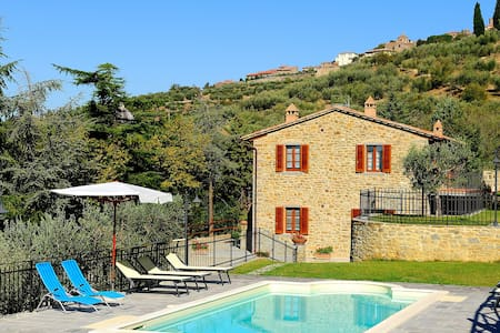 Farmhouse in Cortona with pool - 코르토나