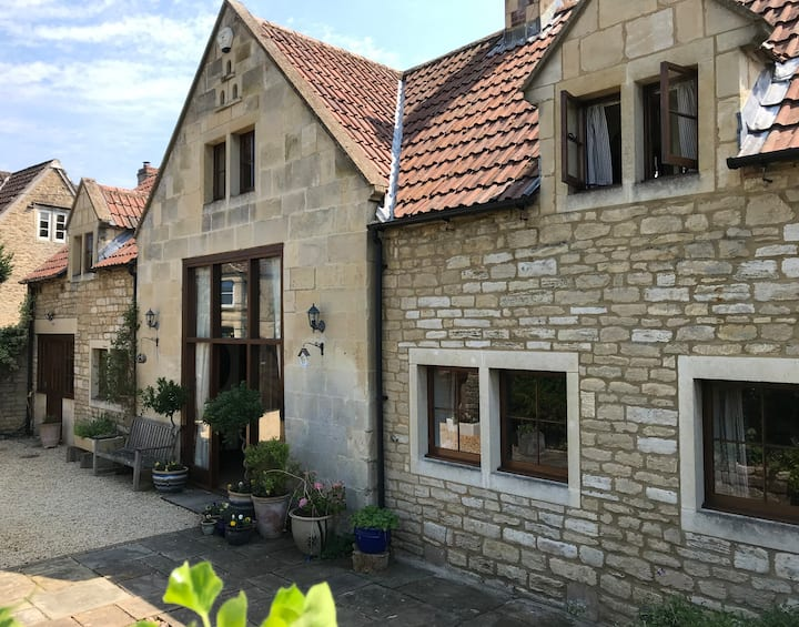 Converted Coach House in Holt, Wiltshire, Nr Bath