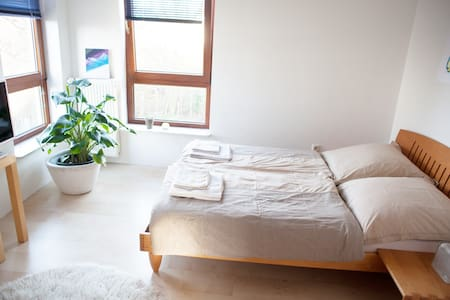 Three nice rooms in a cosy house with own bathroom - Oberhausen