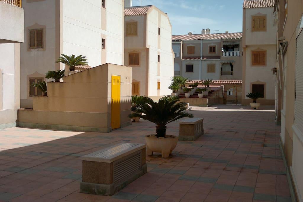 A 5 min del mar con piscina y adsl apartamentos en for Apartamentos en torre del mar con piscina