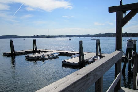Romantic Harbour-side Studio - Sumr/Fall/W/Spring