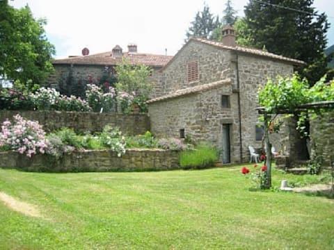 fabulous  barn+pool near Florence