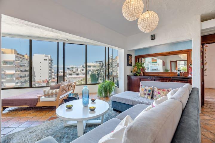 Cozy Condo with ocean view at Zona Romantica in PV