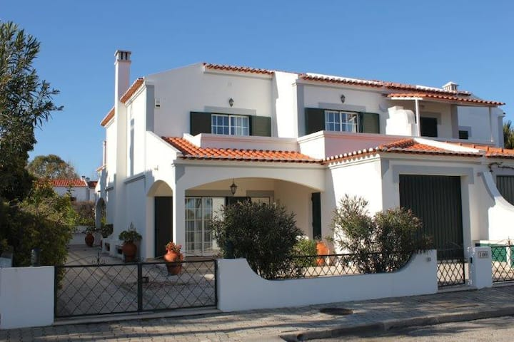 Fantastic Villa 100m from the beach