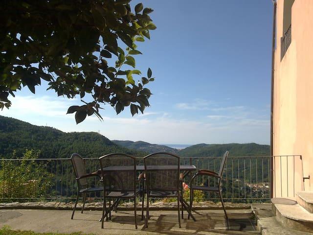 Caratteristico appartamento in Villa - Calice ligure - Βίλα