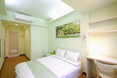 TaichungFengjia  7WarehouseRoom III - Haus