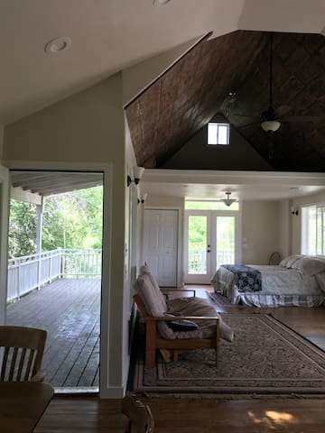 Dragonfly Ranch: The White Cottage