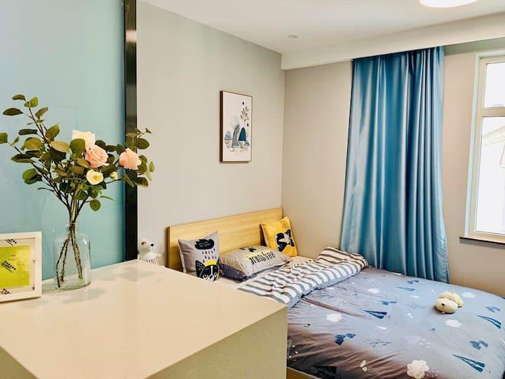 【格林公寓】市中心近地铁,简约精品公寓温馨大床房