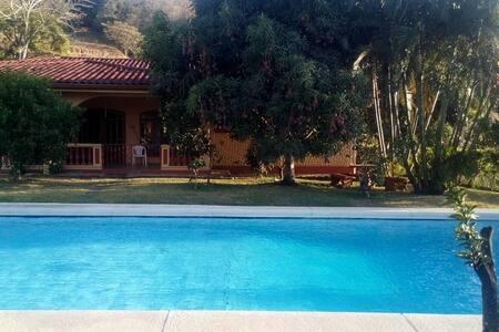 Lodge/Cabana en madera - Costa Rica - Santa Ana