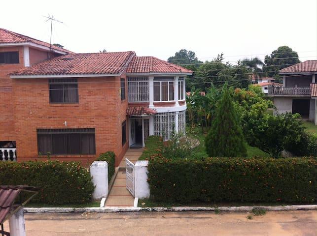 Casa Campestre Melgar - Carmen de Apicalá