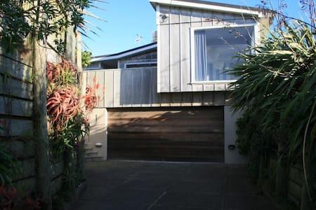 Privacy And Sea Views - Te Horo Beach - Rumah