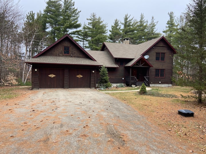 Charming Adirondack Home near Whiteface Mountain