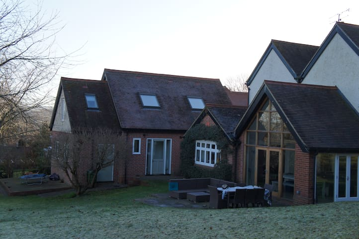 Studio Sheviocke, Ridgeway Retreat in Streatley