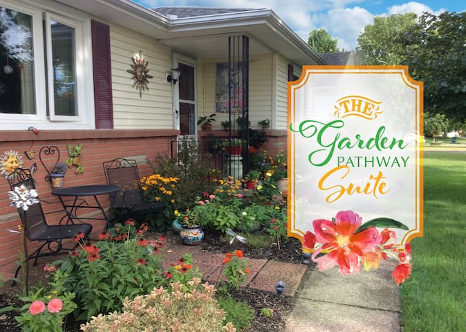 Perfectly Located, Comfortable Garden Suite - Rochester - Lejlighed