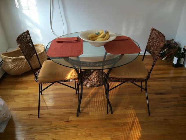 Cozy Sofa Bed - Female Only - Montclair - Pis