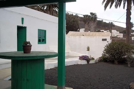 Villa SEN in Haría              - Haría