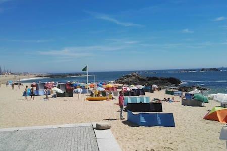 R\C frente à Praia / BEACH/ PORTO - Lavra - Ev