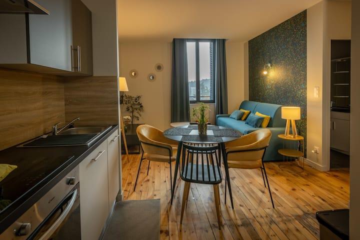Apartment-4 personnes-Standard-Ensuite with Bath