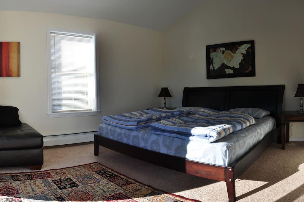 Master bedroom  Kingsize Bed 1.Stock mit eigenem Wohnbereich