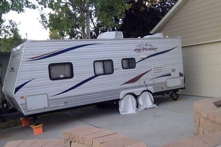 Camper For Rent Eclipse Week, Lander, WY