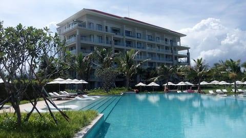 2BR Pool-view Apartment in Ocean Resort & Golf