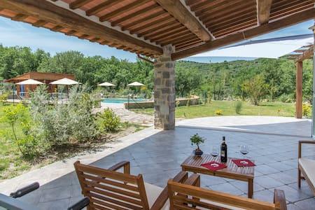 Pangea -Villa eco-friendly 8+2 con piscina privata - Seggiano