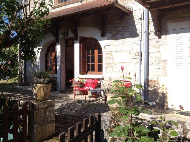Villa Rose - Creysse - Ev