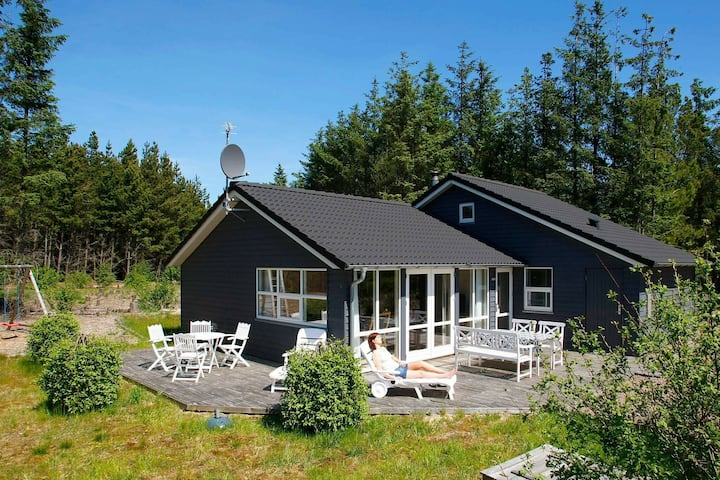 Beautiful Holiday Home in Ålbæk with Private Whirlpool