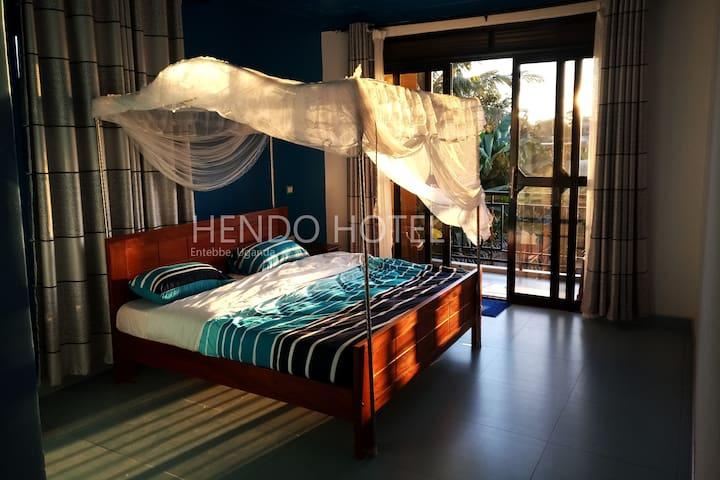 Hendo Hotel Standard Suite