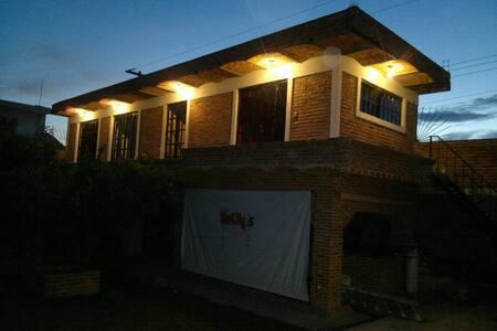 Casa de Descanso, 2 habitaciones, area de camping - Zapopan - Ferienunterkunft