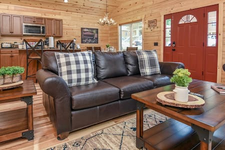 New Cabin❤️ The Great Smoky Mountains ⛰️Gatlinburg