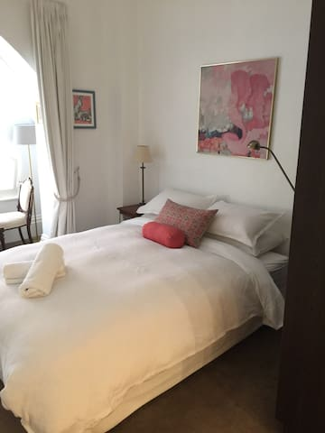 Le petit apartment in Melbourne CBD