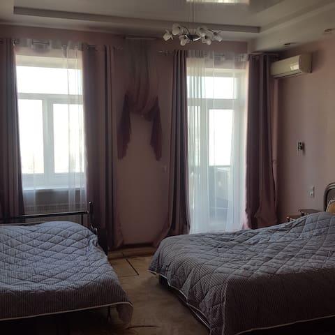 Двухкомнатные апартаменты в центре Владивостока