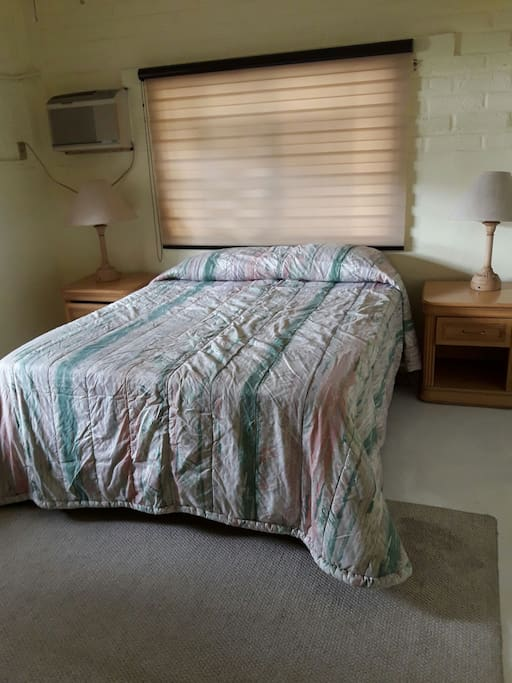 recamara principal con cama QS