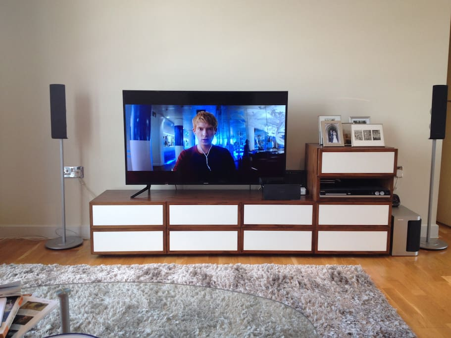 Ultra HD 48-in TV and sound system with Netflix