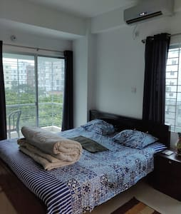 THE BLU INN COZY STAY@BASHUNDHARA R/ A, DHAKA.