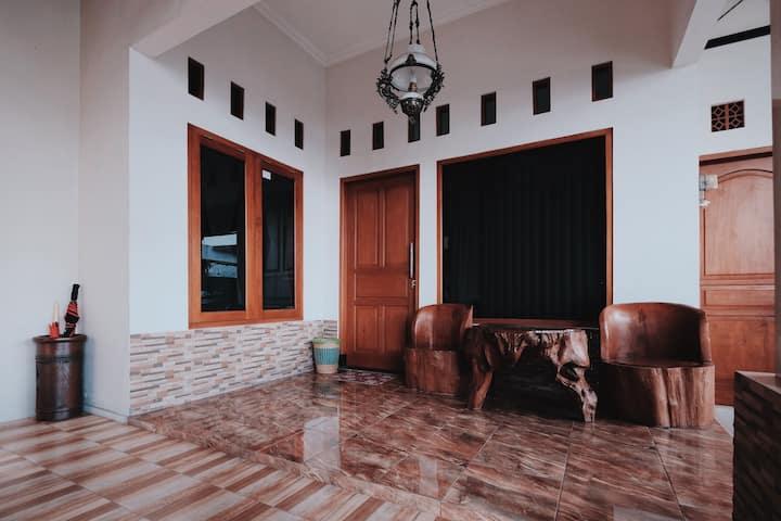 Candramaya Guesthouse I