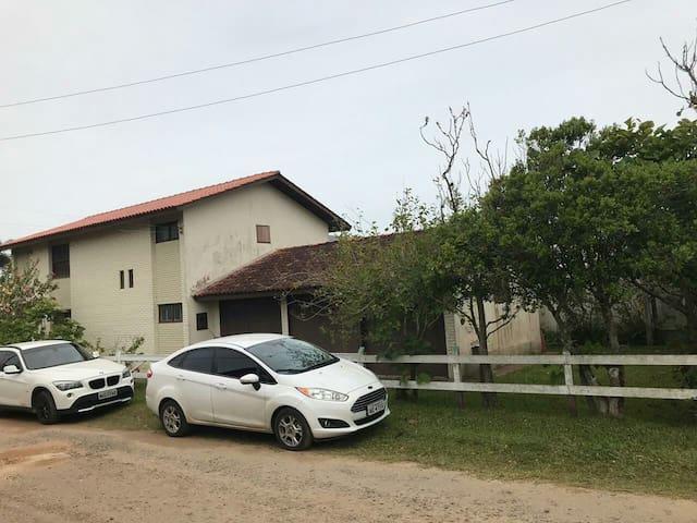 Casarão para  12 pessoas Praia Paraíso Torres - RS